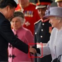 習近平とエリザベス女王